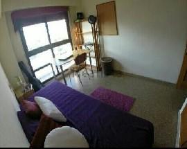 Alquilamos habitacion luminosa en Valencia