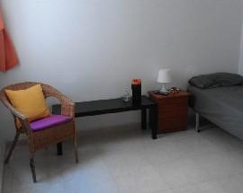 Habitacion muy amplia con wify sin fianza incluido gastos