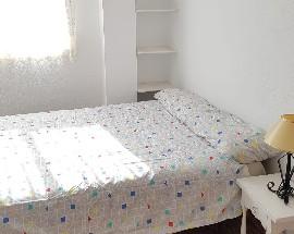 Se alquila habitacion en Moncada