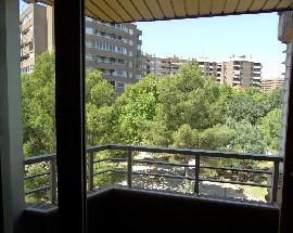 Habitacion disponible en Cesareo Alierta Zaragoza