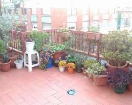 Habitacion individual atico con terraza amplia en Barcelona