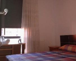 Habitacion en piso compartido a estudiante Universitario