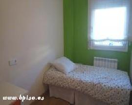 Alquilo habitacion luminosa bano privado Barcelona