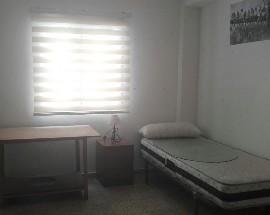 Se alquila habitacion en Granada centro 195 euros al mes