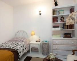 Habitacion con escritorio en Valencia