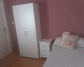 Se alquila una habitacion privada en el centro de Granada