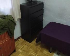 Aquilo habitacion en Chamberi al lado del metro de Bilbao