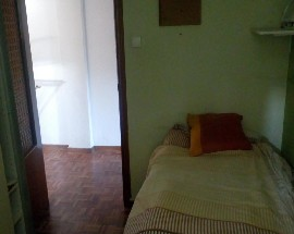 Room available in flat shared with English teacher