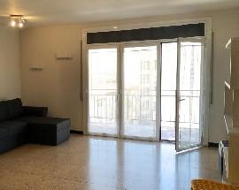 Alquilamos para 3 estudiantes un piso amueblado Girona
