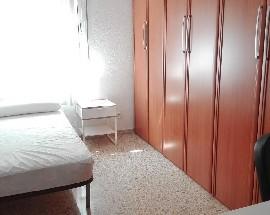Alquilo habitacion en Sevilla muy centrico