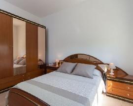 Se alquila medio piso dos habitaciones en Barcelona