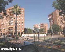 Alquilo habitacion exterior en Sevilla Este