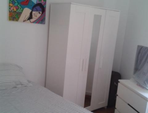 Alquilo habitacion luminosa y tranquila en Sarria Pedralbes