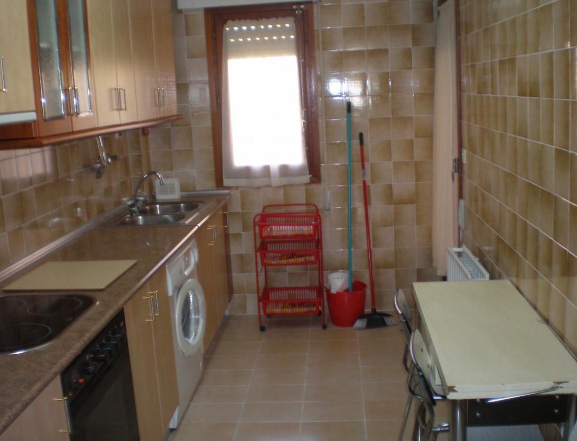 Alquilo habitacion en Soria centro
